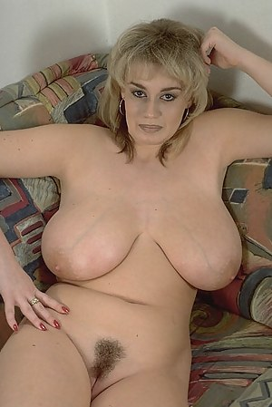 Big Tits MILF Porn Pictures