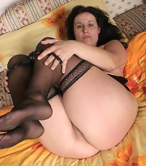 Big Ass MILF Porn Pictures
