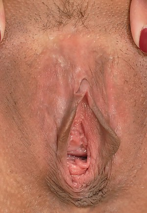 MILF Open Pussy Porn Pictures