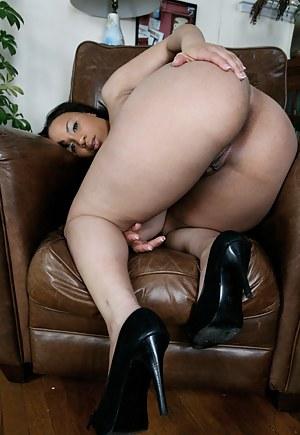 Black MILF Big Ass Porn Pictures
