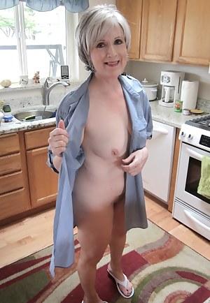 Muture nude