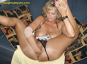 MILF Fisting Porn Pictures