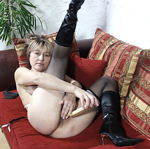 MILF Boots Porn Pictures