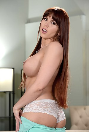 Long Hair MILF Porn Pictures