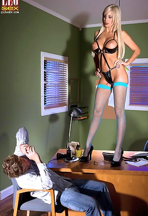 MILF Femdom Porn Pictures